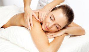 массаж в медицинском центре